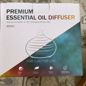 Other - Essential Oil Diffuser & 8 oils NIB